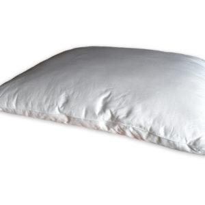 Kussen gevuld met polyester-zijde mengsel
